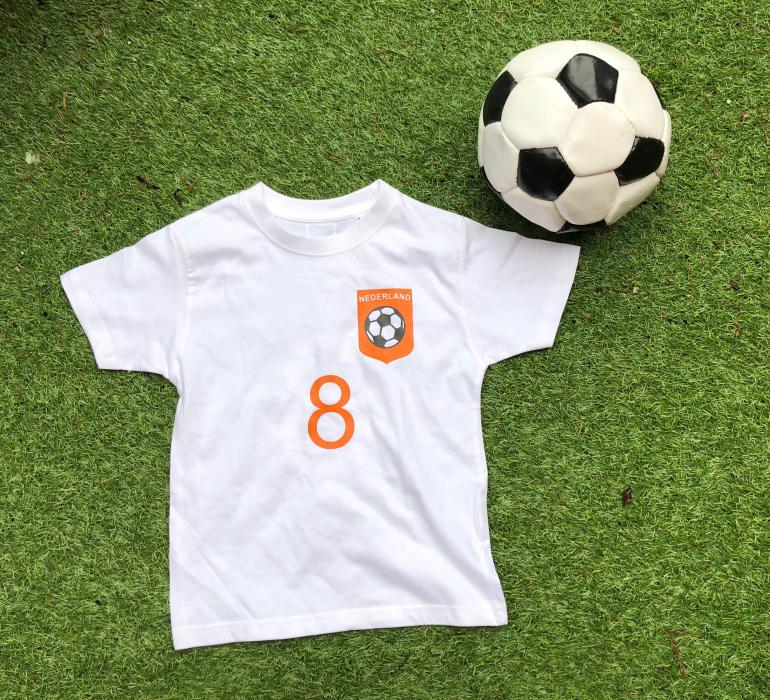 T-shirt voetbal met eigen naam en rugnummer